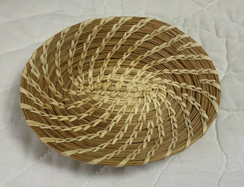 Papago Small Plate Basket, Oval, Hand Woven, Split Stitch, Papago Indians, AZ