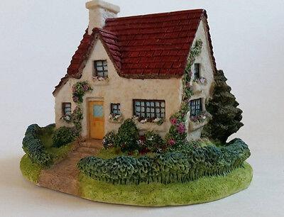 "Olde England's Classic Cottages 1995 ""The Carslile"" Handmade Ceramic England"