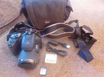 Цифровой фотоаппарат Fujifilm FinePix S Series