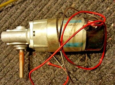 24 Volt Right Angle Drive Gear Motor Parvalux 12 Arbor Tm531 6.8 Amps