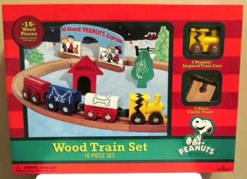 Snoopy Christmas Peanuts Wood Wooden Train 16 Piece Brio Compatable New