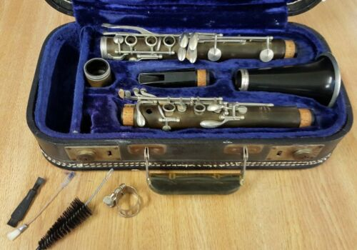 EVETTE CLARINET SPONSORED BY BUFFET WITH CASE