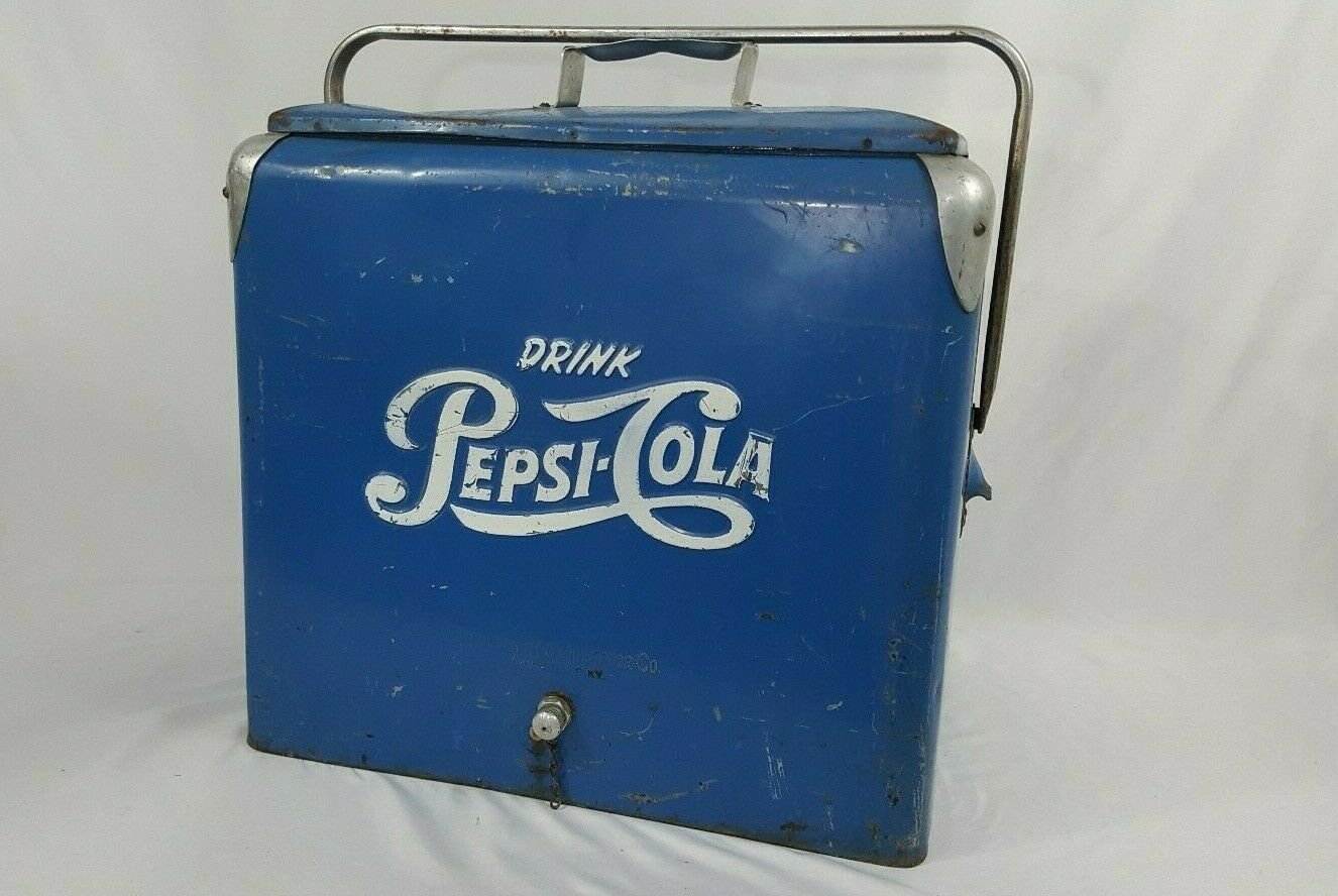 Photo 1950`s Metal Pepsi Cooler with Tray Original Condition