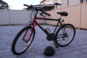18 SPEED MOUNTAIN BIKE GOOD CONDITION + HELMET NEGOTIABLE Hurstville Hurstville Area Preview
