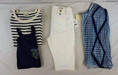 NWT Macy's Women's Lot of 4 Lucky Brand Mix Pants/Tops/Sweater Medium 5 CE17868