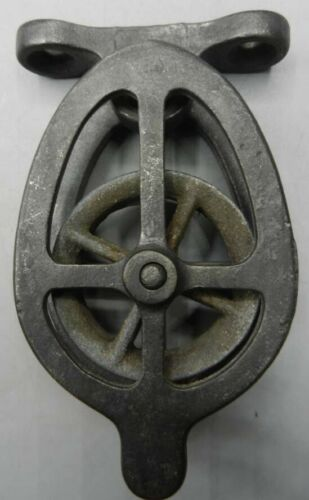 """Vintage R.I. Tool Co. Patented Galvanized Cast Iron Birdcage Pulley 5"""" x 3"""""""