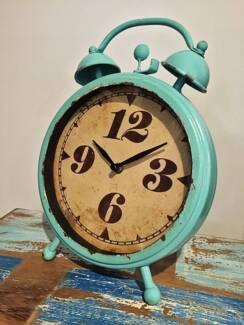 Retro Clock - Brand new