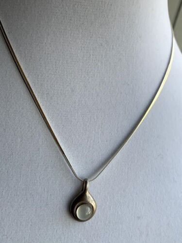 VINTAGE SILVER STERLING MOONSTONE CABOCHON PENDANT NECKLACE