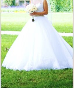 ALLURE USED WEDDING DRESS FOR SALE