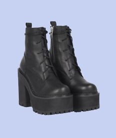 Unif Choke Boots