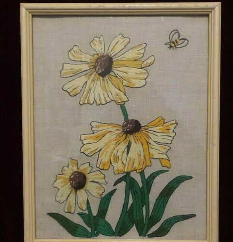 Vintage Handcrafted Yarn Stitchery - Glass & Framed - Yellow & White Daisies