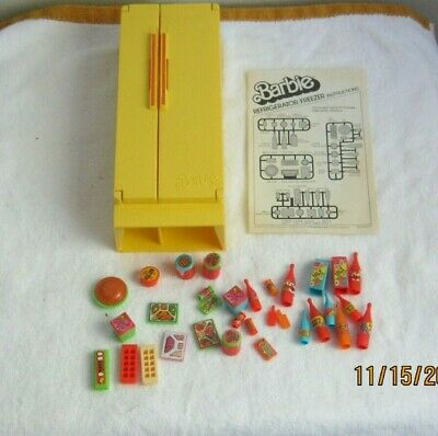 Vintage Barbie Dream House Yellow Refrigerator Freezer with Foods 1978