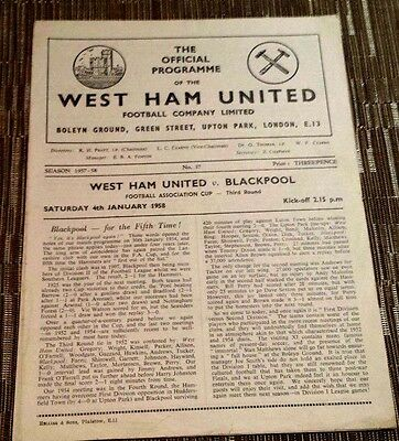1958 FA CUP: WEST HAM UNITED v BLACKPOOL  3rd Round - 4th January