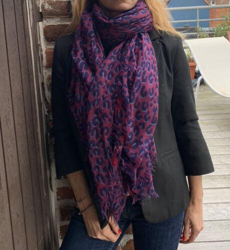 Beau cheche foulard louis vuitton  70 % cachemire 30 % soie