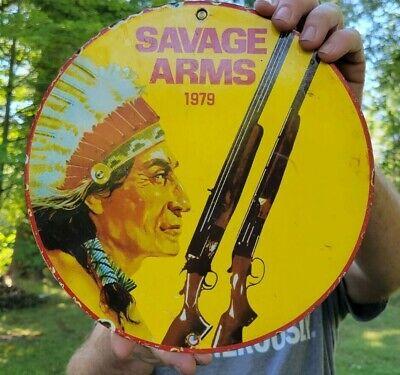 VINTAGE DATED 1979 SAVAGE ARMS PORCELAIN ENAMEL GUN HUNTING SIGN INDIAN DEALER