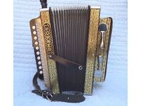 Hohner Vienna 114D 1-Row 2-Bass 10-Treble Black & Gold Diatonic Accordion Melodeon