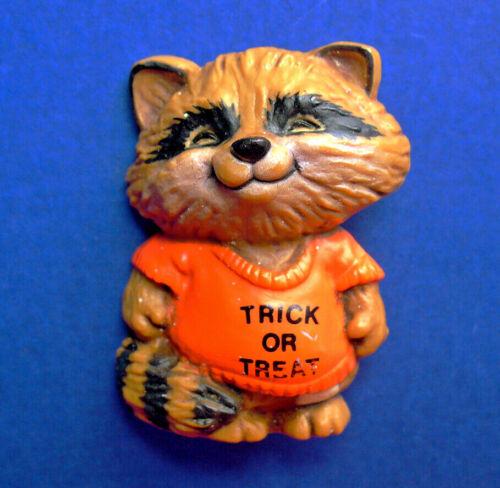 Hallmark PIN Halloween Vintage SHIRT TALES RACCOON Trick or Treat Brooch AS IS