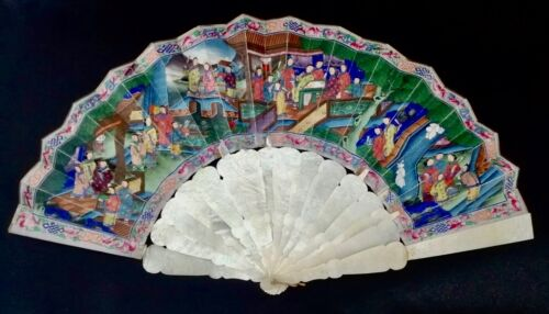 ANTIQUE CHINESE EXPORT CANTON CARVED MOTHER OF PEARL 1000 FACES FOLDING FAN