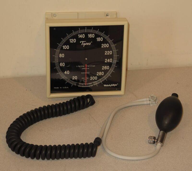 Welch Allyn FlexiPort Blood Pressure Bulb & Sphygmomanometer Wall Mount Gauge
