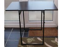 LOVELY BLACK SLIDING LEAF DINING TABLE AS NEW, BARGAIN PRICE OF ONLY £40, CAN DELIVER