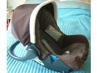 Mothercare baby car seat. Birth to 36 months. Excellent condition. Brown and cream colour