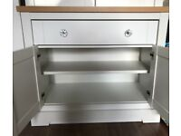 White living room cupboard/unit
