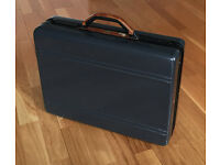 Bric's Briefcase - Very Professional