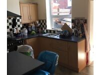 Kitchen base and wall units (Howdens)
