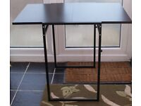 BLACK SLIDING LEAF DINING TABLE IN EXCELLENT LITTLE USED CONDITION, BARGAIN ONLY £40 CAN DELIVER