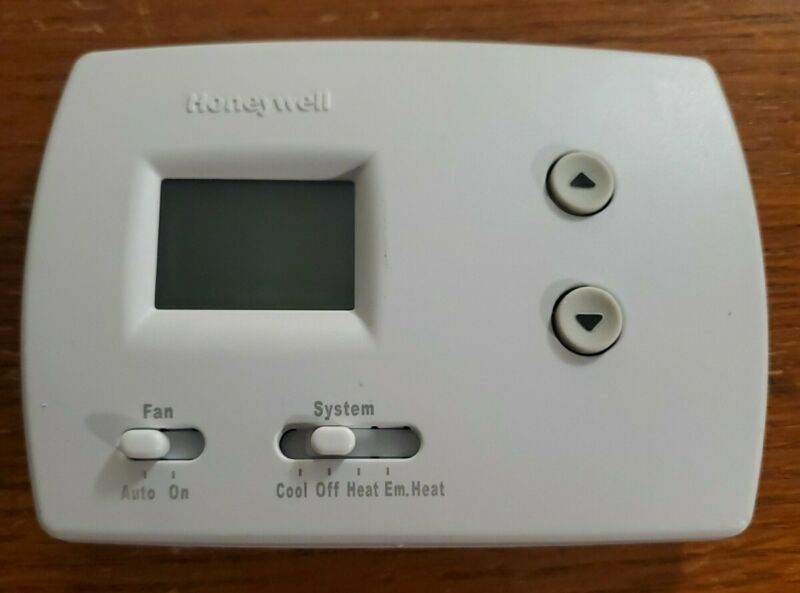HONEYWELL Thermostat, Model1502, TH5220D 1029, Large Display