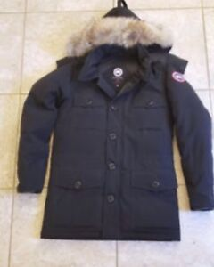 Men's Medium Canada Goose Banff Parka