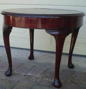 VINTAGE SOLID WOOD ROUND QUEEN ANNE COFFEE TABLE FOR PAINTING Gnangara Wanneroo Area Preview