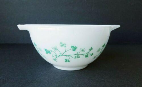 Vintage Pyrex #441 White & Green Ivy Cinderella Dip Mixing Bowl 1-1/2PT
