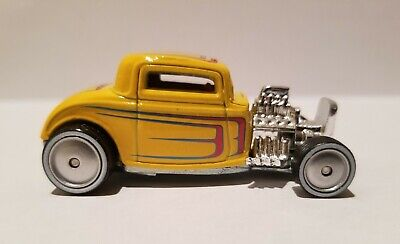 HOT WHEELS - BOULEVARD - '32 FORD HOT ROD COUPE - REAL RIDERS FROM WALMART SET 32 Ford Coupe Hot Rod