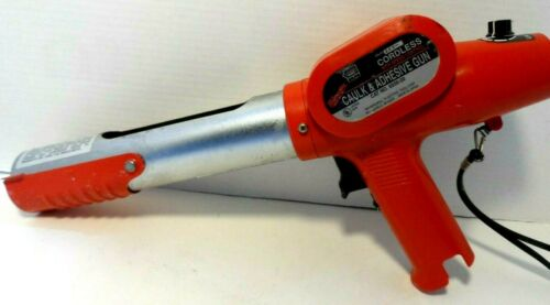 MILWAUKEE 2.4 Volt Cordless Caulk and Adhesive Gun Model 6550-20 No Charger
