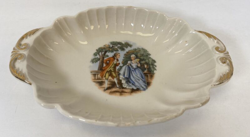 CG USA Ceramic Warranted 22 Kt Gold Oval Tray Victorian Couple 7""