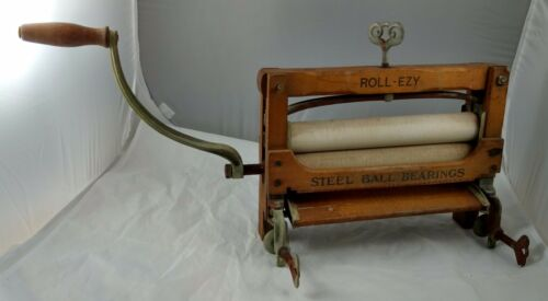 Antique ROLL-EZY No. 271 Wood & Cast Iron Washing Machine Wringer