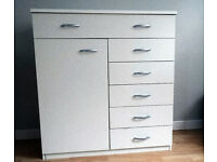 WHITE CHEST OF DRAWERS Condition as new.