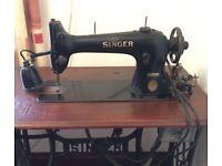 Vintage Singer Sewing Machine Model 31K15