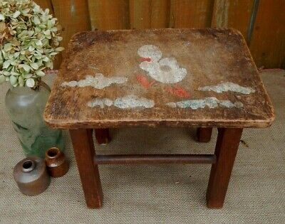 SWEET VINTAGE 1950s SMALL CHILDS WOODEN  STOOL~AGE FADED PAINTED DUCK DECORATION