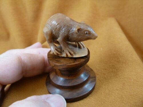 (tb-rat-7) little tan standing Rat Tagua NUT palm figurine Bali carving pet rats