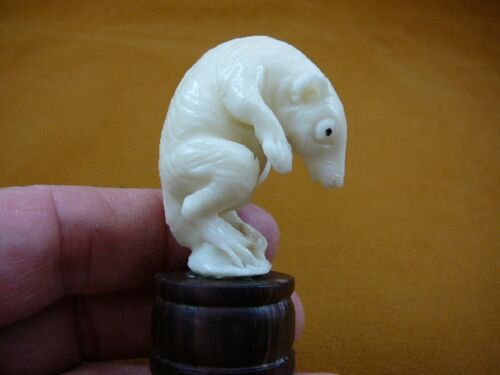 (tb-rat-4) little white Rat bend over Tagua NUT palm figurine Bali carving rats