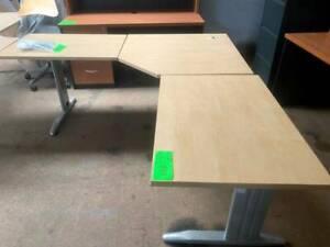 Desk, 3 piece top (F1229)