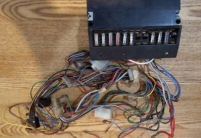 VW CLASSIC BEETLE FUSE BOX AND WIRING LOOM 135 937 505