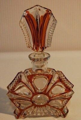 C124 Ancien flacon à liqueur ou de parfum en Cristal