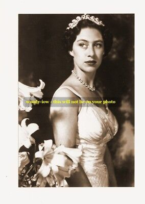 """mm83 - Young Princess Margaret in Gown & Diamonds & Lilies - photograph 6x4"""""""