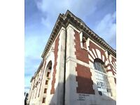 SHORT TERM FLEXIBLE LET - CHISWICK - Superb Two Bedroom Apartment