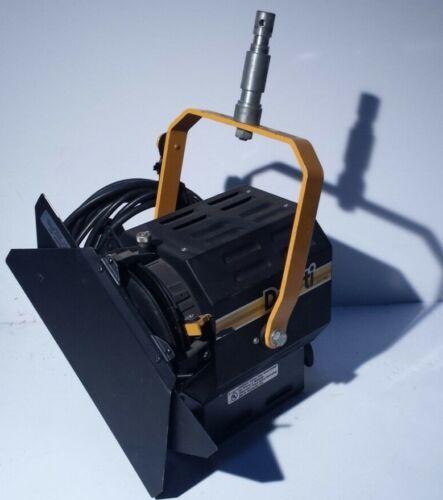 DeSisti Leonardo 1000W Model 310 Fresnel Spotlight Light w/ Barndoors