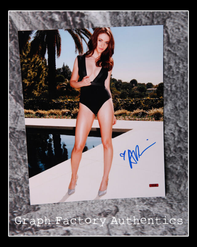GFA Glow Mad Men Sexy Star * ALISON BRIE * Signed 11x14 Photo AD2 PROOF COA