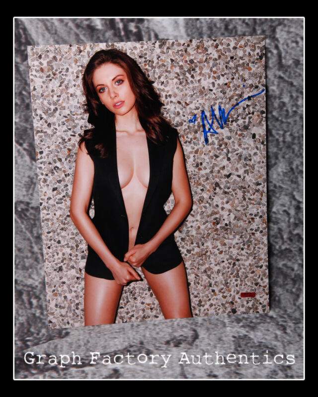 GFA Glow Mad Men Sexy Star * ALISON BRIE * Signed 11x14 Photo A3 PROOF COA